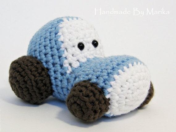 Wie Amigurumi Zusammennahen : ahnliche Artikel wie Amigurumi Traktor Baby Rassel ...