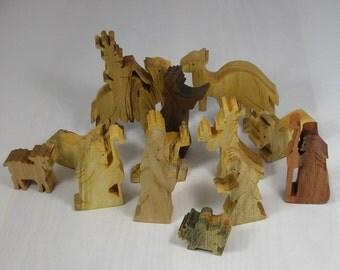 Nativity - Christmas Holiday Decor Nativity Set - 13 Piece Wooden Nativity Scene