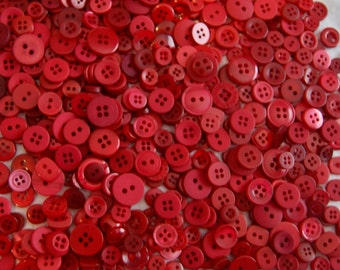 500 Red Button Mix ,  Cherry Red Small Buttons Crafting Buttons Jewelry Collect (1118)