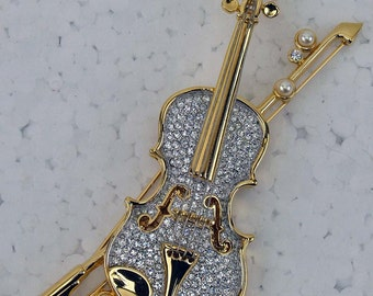 Stunning Pave Crystal Pearl Gold Tone Large Violin with Bow and Strings Coat Brooch Musical Instrument ATCTTEAM