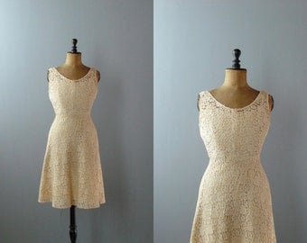 Vintage lace dress. 50s cream lace dress