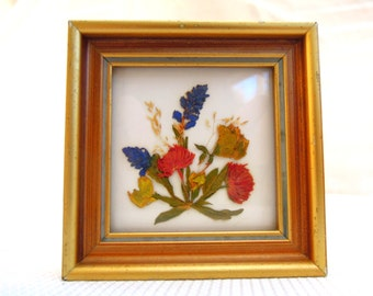 vintage pressed flower picture.gold frame.Austrian.home wall decor.bedroom.foyer.small.tessiemay vintage