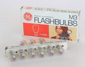 Nine M3 GE Flash Bulbs in Box