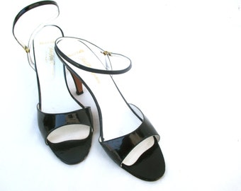 Vintage Leather Heels Patent Leather Saks Fifth Avenue Designer Pumps Madmen Style Chic Fashion Elegant Straps 1960 60s