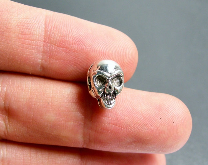 Skull beads - silver color - 12 pcs - drill sideway - big hole -2 sided - ASA200