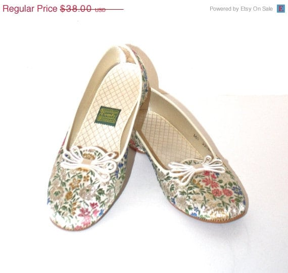 30 off sale vintage 1960s floral slippers by 15068 | il 570xn 759775972 6dqt