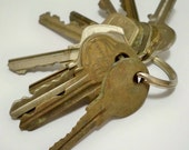Keys - lot of 10 - Vintage keys - Door, lock, car, etc keys - Metal - Jewelry making supply for pendants - cheesegrits