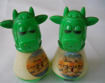 Cow Salt and Pepper Shakers - vintage, collectible, serving, kitchen