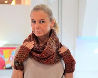Chunky textured cowl and fingerless gloves - Valentine's day gift