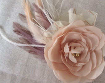 Champagne fabric flower and feather hair clip.  fabric flower facinator. Wedding, bride bridal hair pin.