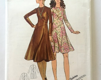 70s Butterick 6047 Mini Dress with Asymmetrical Skirt, Long Sleeves Jewel Neckline - Size 10 Bust 32