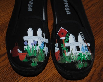 For Sale New Gardening shoes available size 7.5