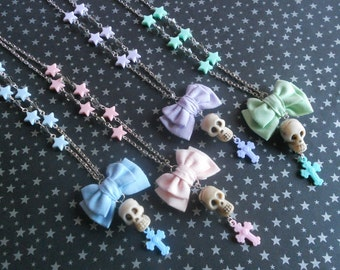 Pastel Goth mini bow with skull and stars necklace Fairy kei