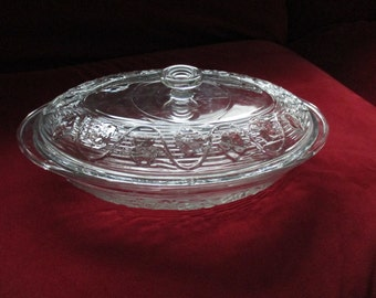 ON SALE!!! Oven Proof Vintage Covered Glass Dutch Oven/Casserole Dish