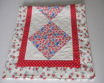 Quilted Table Runner, Table Topper, Feed Sack Reproduction, Red and White Blue, Cottage Shabby Chic, Vintage Style
