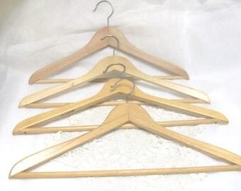 4 Wooden Hangers //