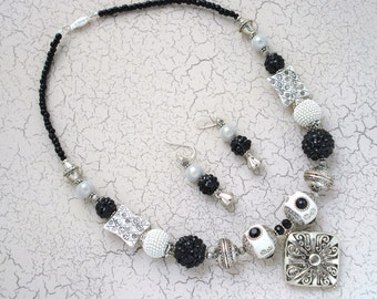 Black and White Beaded Necklace & Earring Set, Free US Shipping