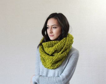 Chunky Infinity Scarf, wool Knit Textured Cowl  // The Bourdon - Lemongrass
