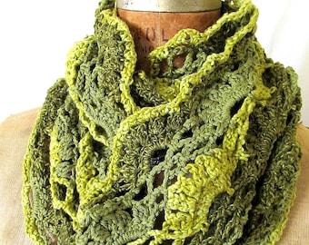 Moss crochet lace cowl scarf