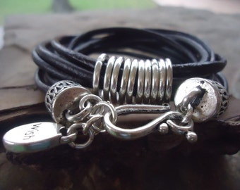 Ringed LEATHER with Hook & WISH pendant bracelet (706)