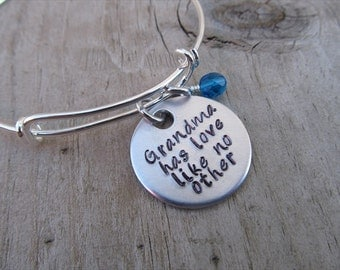 "Grandma Bracelet- ""Grandma has love like no other"" with an accent bead of your choice- Gift for Grandma"