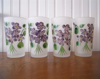 White Frosted Glasses Hand Painted Violet Bouquet Set of 4 – vintage 1950 – glassware barware- Gay Fad Fired