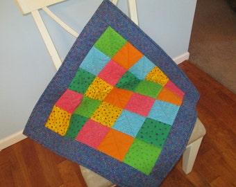 Circles and Dots Crib Quilt