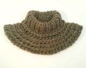OUTLANDER inspired cowl. Knitted, rustic neck warmer. Brown bulky yarn. Petite women size. Luxurious.