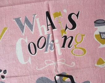 Pink cookies. Vtg midcentury Lois Long linen kitchen towel / What's Cooking series pink / gingerbread men