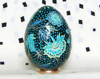 RESERVED for N. Blue flower pattern. Turkey egg. Easter eggs.