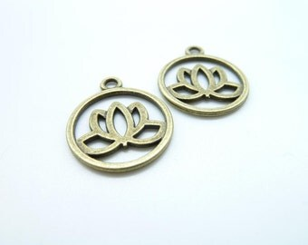 20pcs 20mm Antique Bronze  Round Lotus Flower Charm Pendant c7913