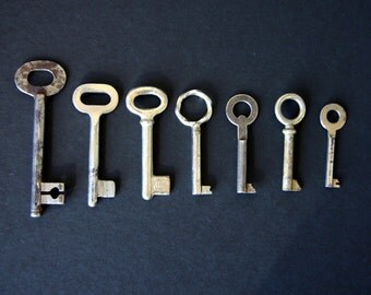 Antique Skeleton Key Lot of 7 Keys Craft Jewelry Supply Art Deco Collectibles 1930s