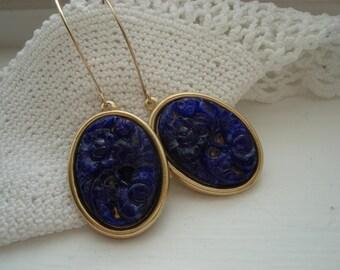 Vintage Lapis Lazuli Royal Blue Carved Jade Glass Flower Floral Dangle Earrings