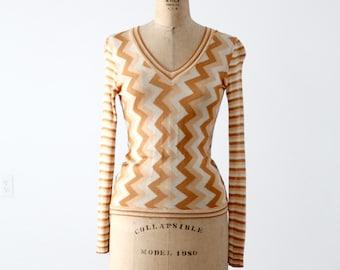 FREE SHIP  1970s zig zag knit blouse, vintage slinky chevron top