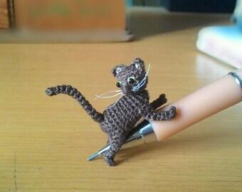 tiny crochet dark brown cat - dollhouse decor - tiny amirugumi cat