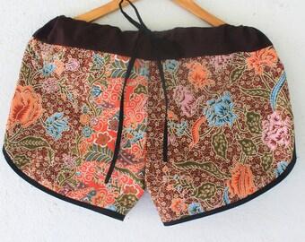 Thai beach casual short  pant Thai batik sarong ,yoga,spa,hippie, boho,  gypsy,aladddib,baggy trousers,unisex pants,Harem summer Pants