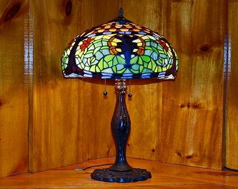 "15"" Fleur De Lis Stained Glass Lamp Shade"