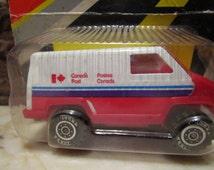 "Vintage un-opened, ""1981'Tonka Scramblers, Canada Post"" mail van on the card!"