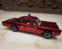 Vintage 1968' Hotwheels Fire Chief; Plymouth Fury' candy apple red with red-line tires!