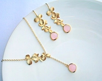 Orchid Necklace.Pink Necklace. Lariat Necklace. Bridesmaid Gifts. Bridal Jewelry. Wedding Jewelry. Wedding Necklace. Gold Pink Jewelry.Mom