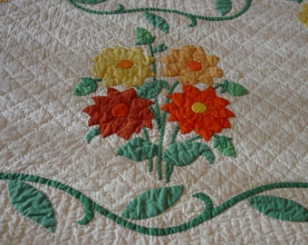 Fabulous Antique Quilt, Hand Applique and Hand Quilted, Dahlias