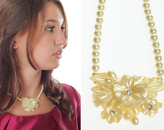 Vintage Necklace - Plastic Yellow Cream Ivory Off White Flower Rhinestones Pearls Statement Necklace 0082 SALE 5D