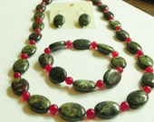 Bloodstone & red jade jewellery set with sterling silver, necklace, bracelet and earrings