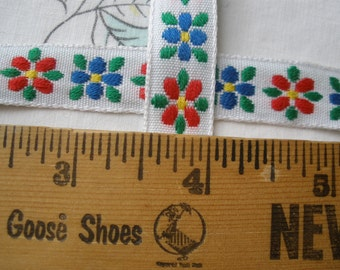 """Red & Blue flowers Embroidered Ribbon Woven Edge Jacquard 1/2"""" green leaves on white yellow Cool Trims sewing crafts costume Novelty Ribbon"""