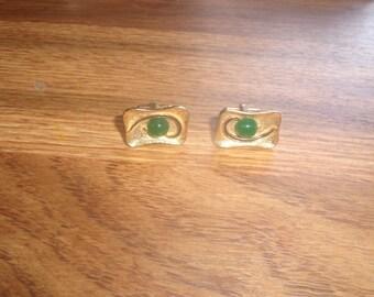 vintage pair cufflinks cuff links  goldtone jade stone