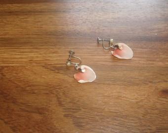 vintage screw back earrings seashell dangles