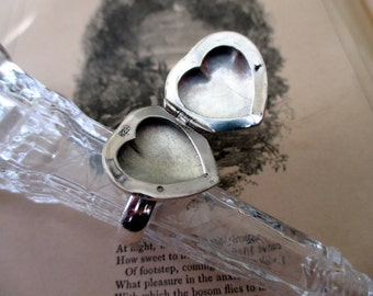 sterling silver heart ring with hidden compartment - locket, poison ring, size 8.5