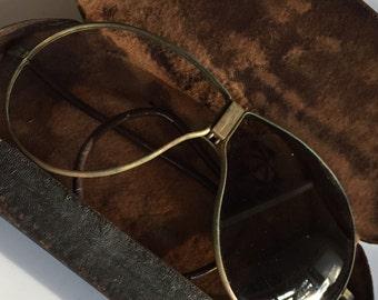 Vintage Avator Sunglasses with metal Case