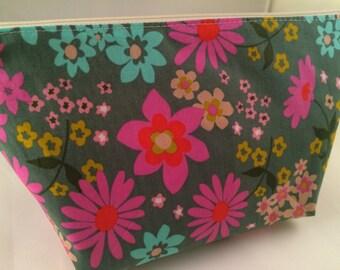 Pretty Floral Makeup Bag, Cosmetic Bag, Toiletry Bag, Knitting Project Bag, Crochet Project Bag