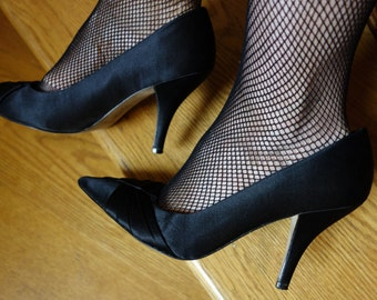 Sexy satin stilettos by Nina black spike heels classic evening formal Rockabilly retro pumps leather soles Mad Men costume formal size 8.5